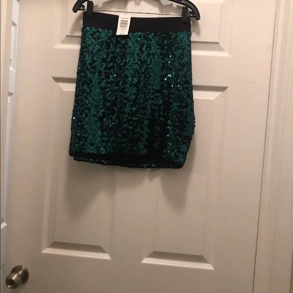 f832b8549da55 Torrid green sequin skirt 00